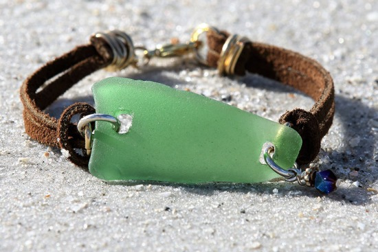 Kelly Green Sea Glass Bracelet, brown suede straps, lobster claw clasp - 7.75""