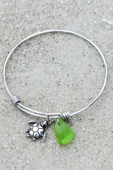 Stainless steel bangle BRACELET with kelly green seaglass chip, sea turtle charm