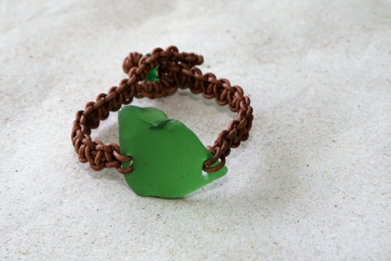 Kelly Green seaglass BRACELET on macrame' leather straps, loop + button closure, 7.5""