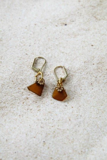 amber seaglass chips on gold-filled leverback earwires