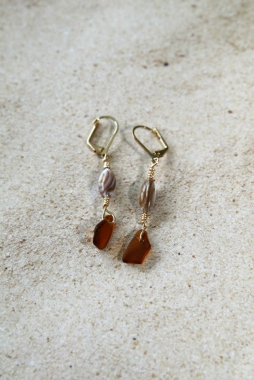 amber seaglass chips, mother-of-pearl on gold earwires