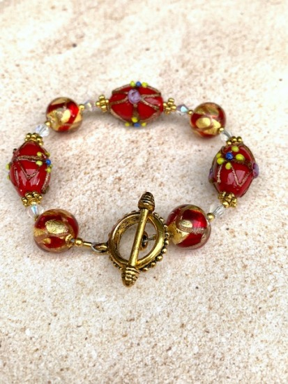 "Red and gold flake Murano glass and ""wedding cake"" vintage glass beads, crystals, gold vermeil BRACELET, gold toggle clasp - 7"""